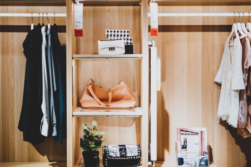 5+ Easy Ways for Organizing your Closet on a Budget
