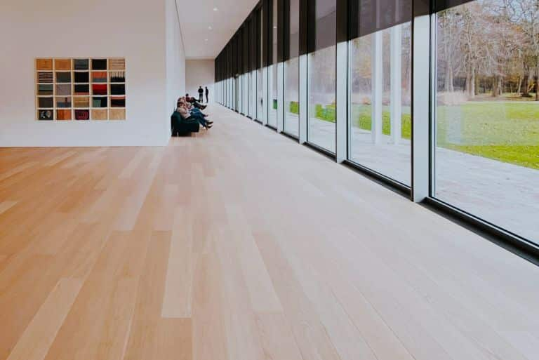8 Best Laminate Flooring Brands 2021 (and Brands to Avoid)